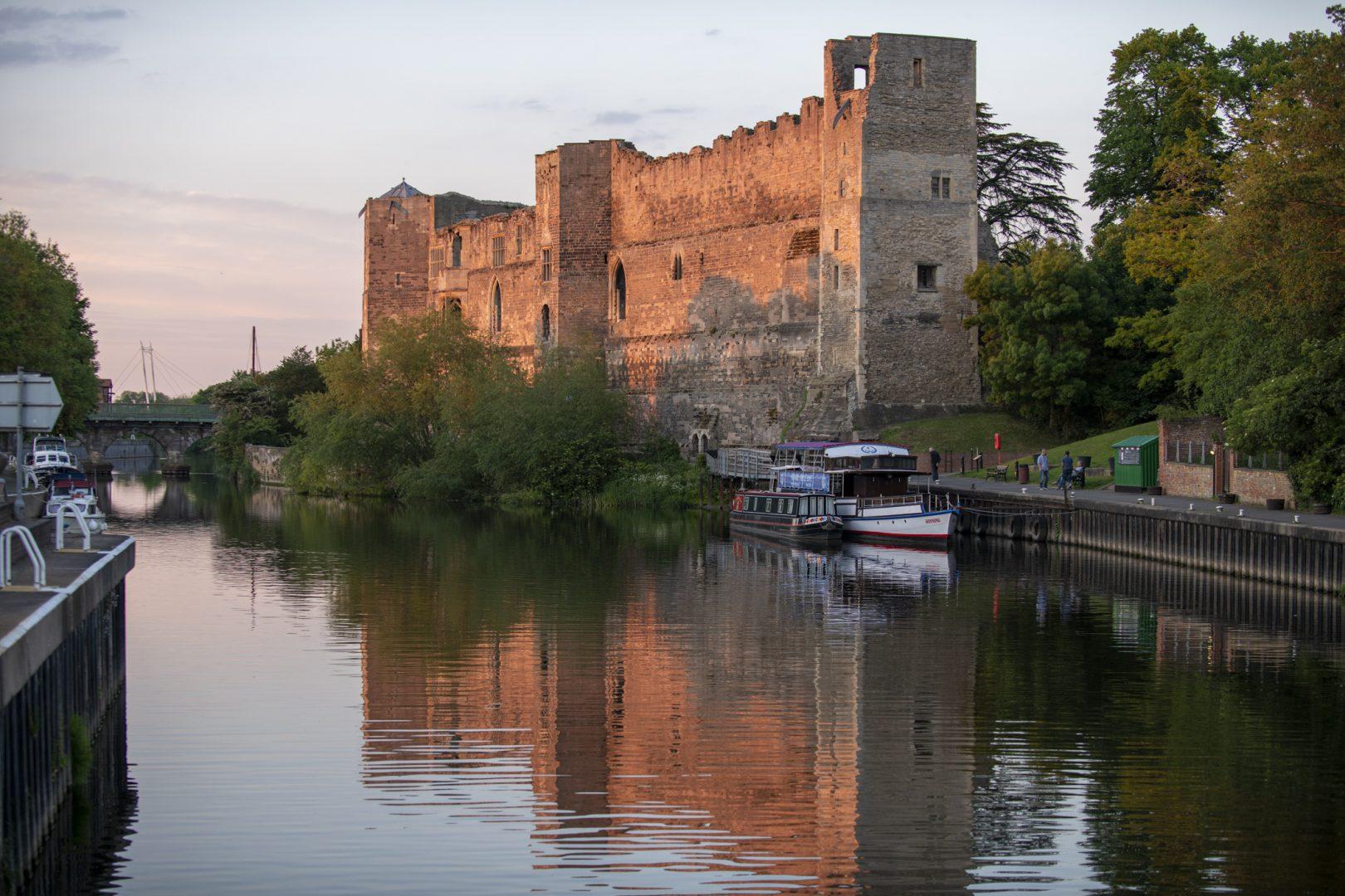 Newark Castle in the evening